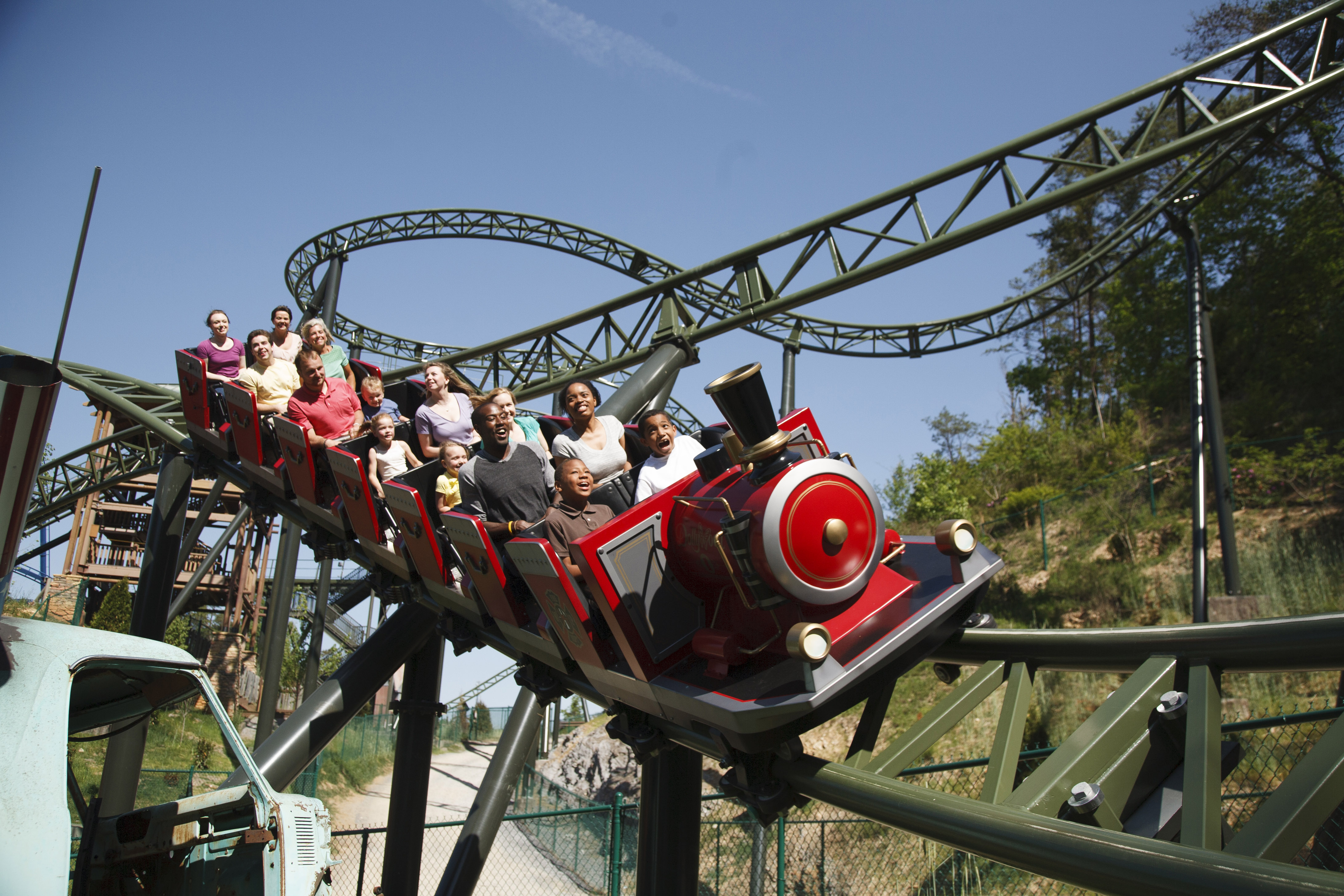 AARP Days at Dollywood Returns for 2016