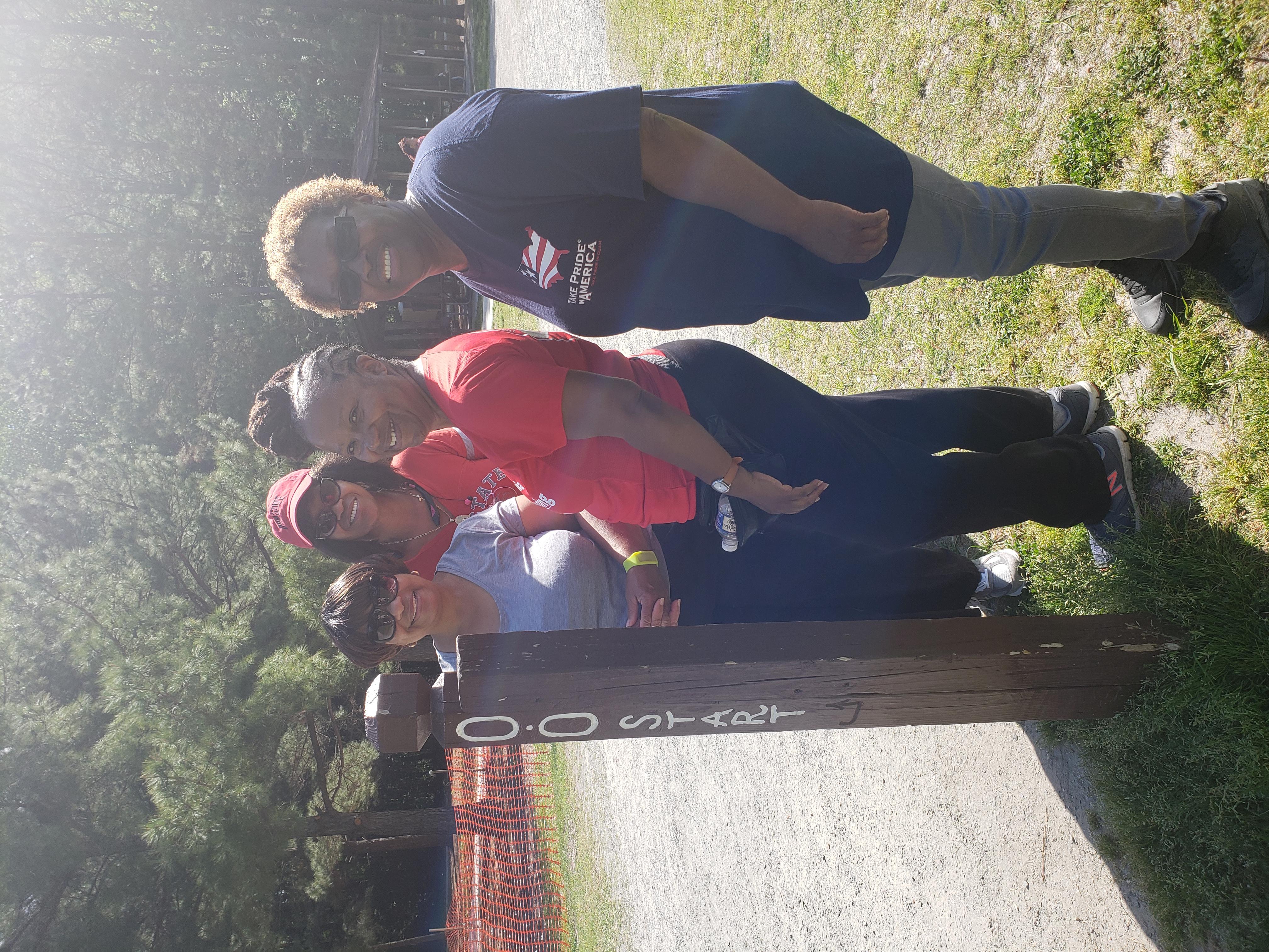 Hampton Roads Walking Group/HR_WalkingGroup 20.jpg
