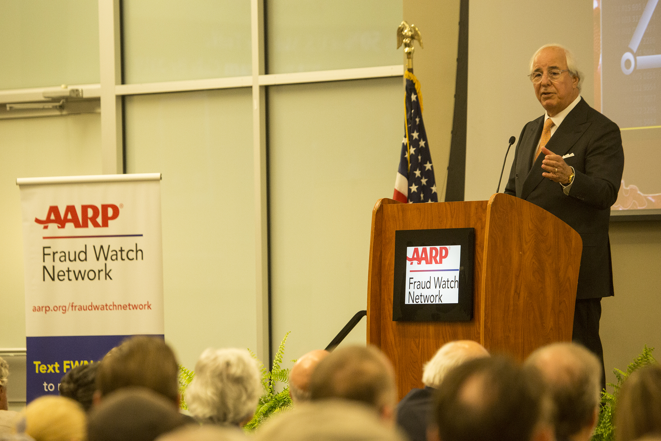 Identity Theft expert, Frank Abagnale, visits Alabama for free presentation on fraud and scams