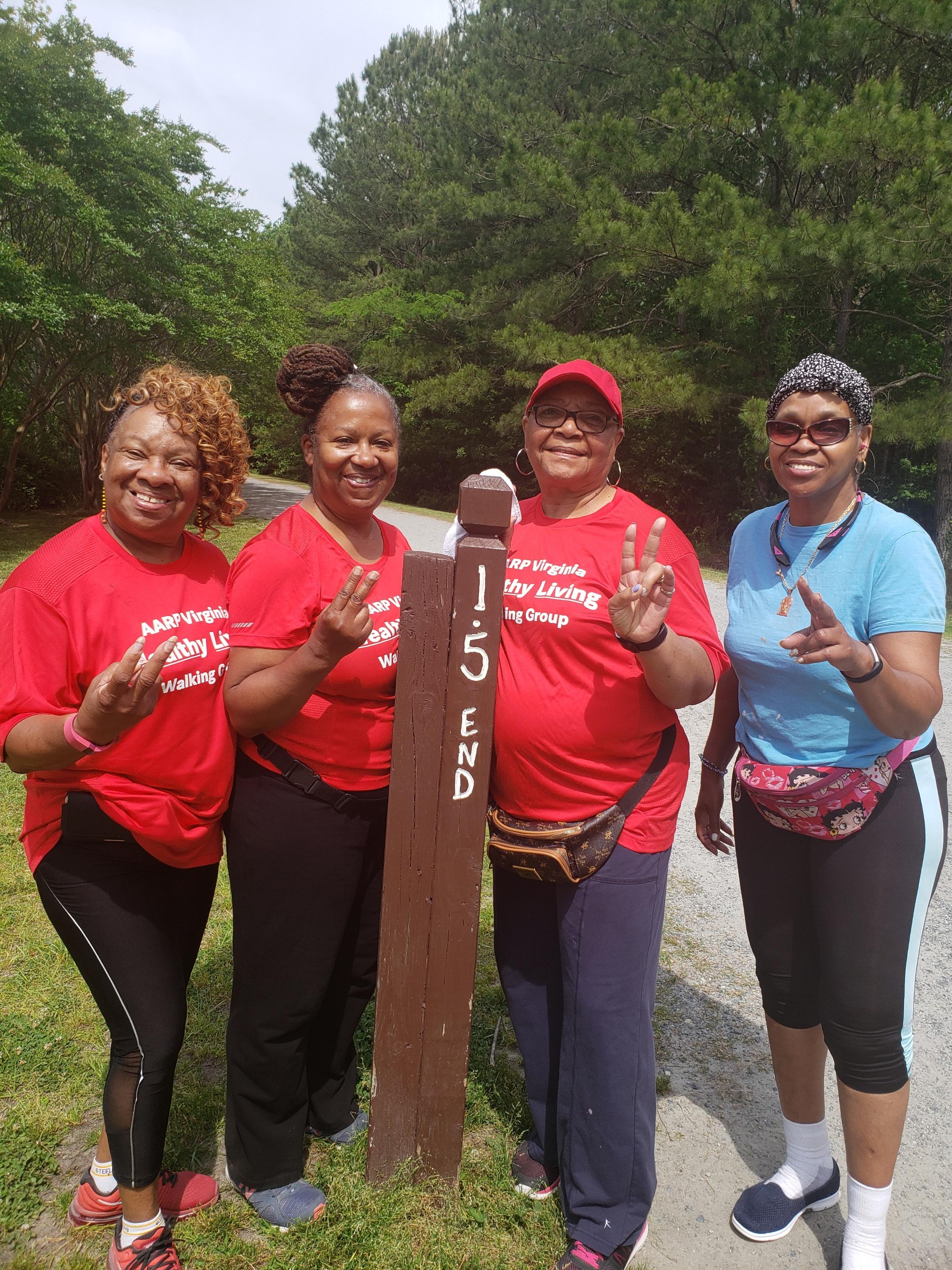 Hampton Roads Walking Group/HR_WalkingGroup 21.jpg