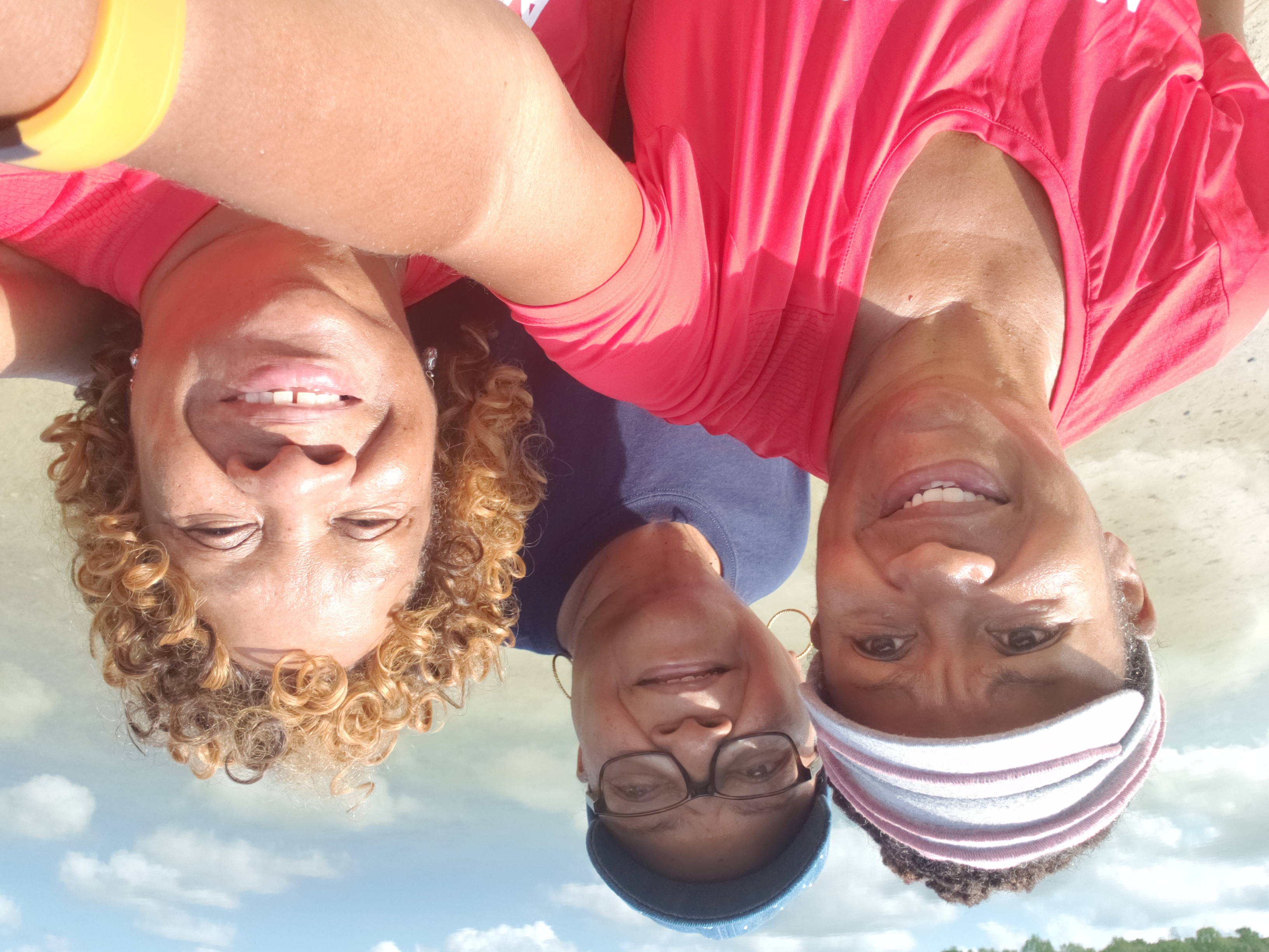 Hampton Roads Walking Group/HR_WalkingGroup 2.jpg