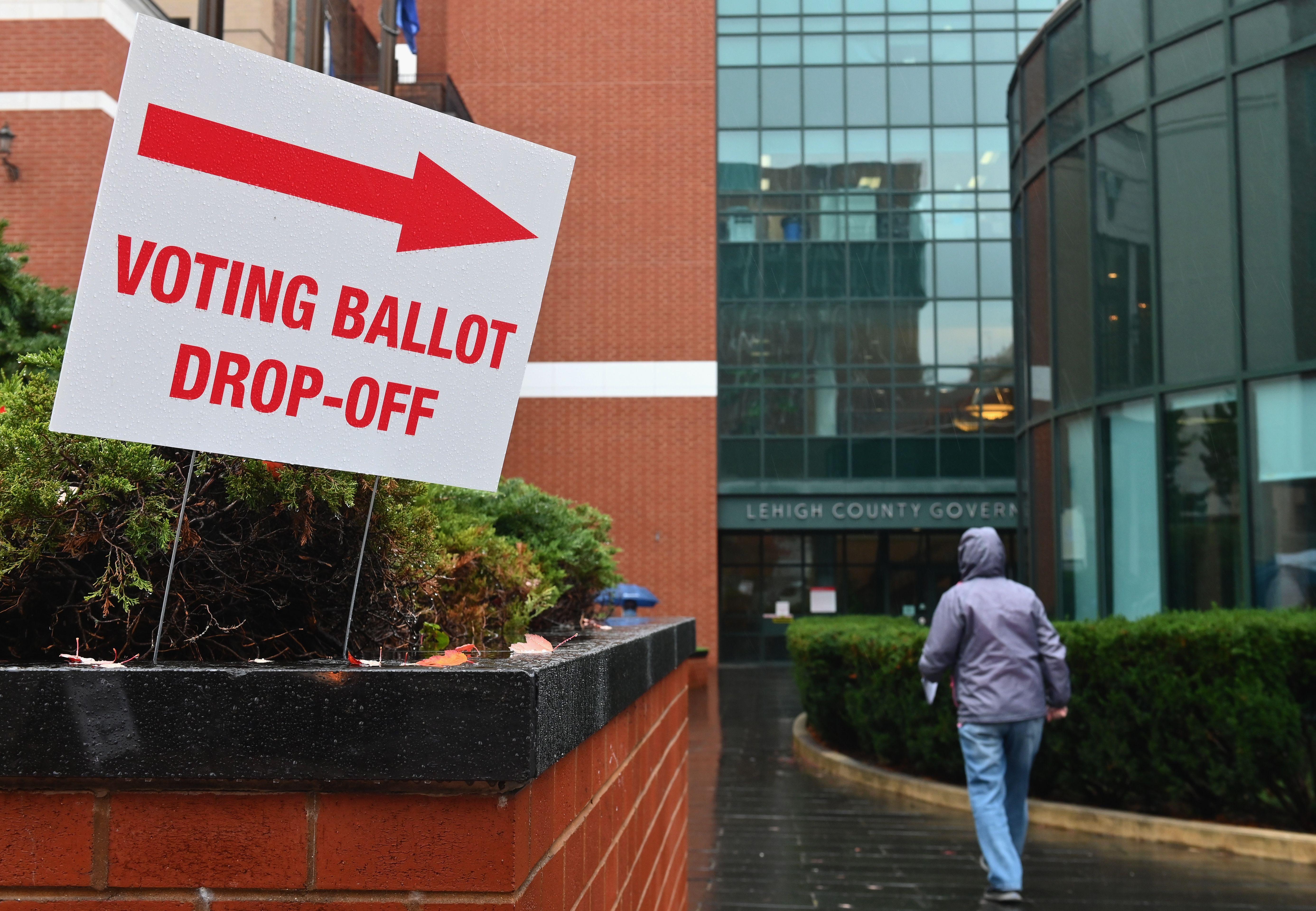 US-VOTE-DROPOFF