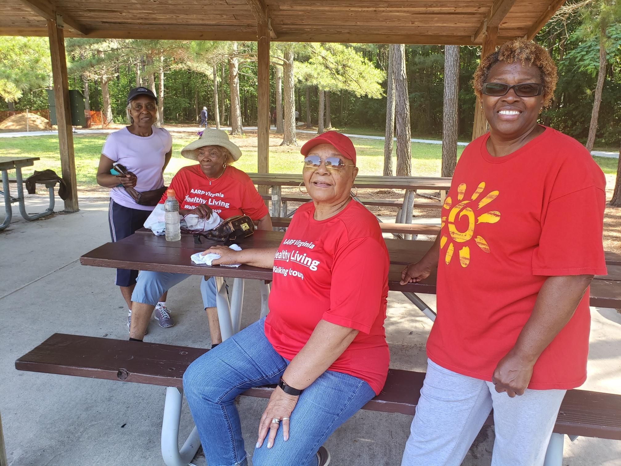 Hampton Roads Walking Group/HR_WalkingGroup 23.jpg