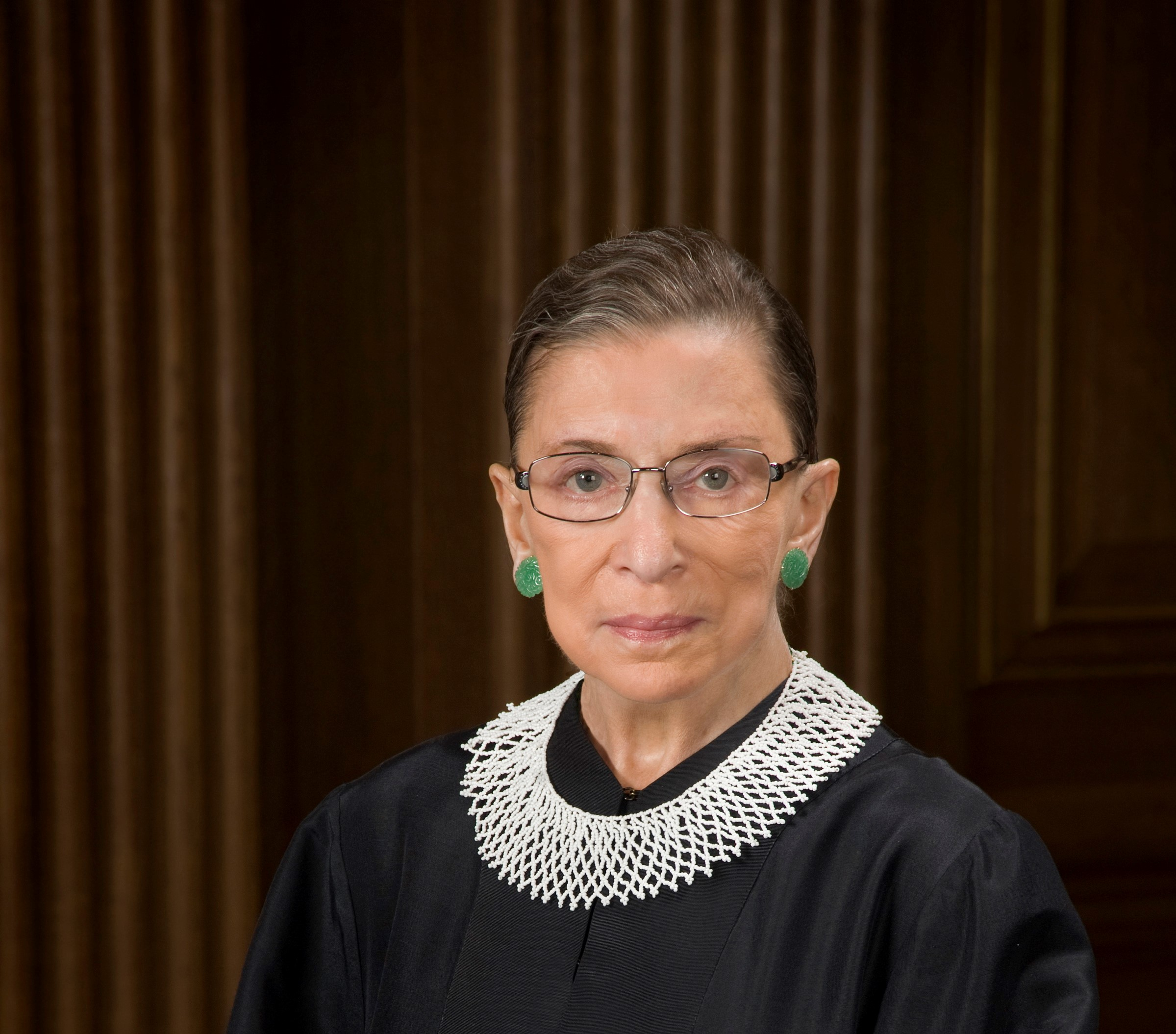 Ruth_Bader_Ginsburg_official_SCOTUS_portraitCROP.jpg