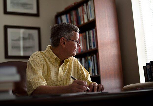620-Texas-Governor-Race-Political-Science-Cal-Jillson-desk