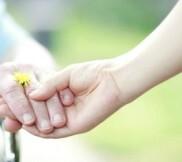 caregiving_iStock_000020545041_420X280l_cmcleer494000-182x162