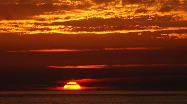 800px-Sunset_2007-1