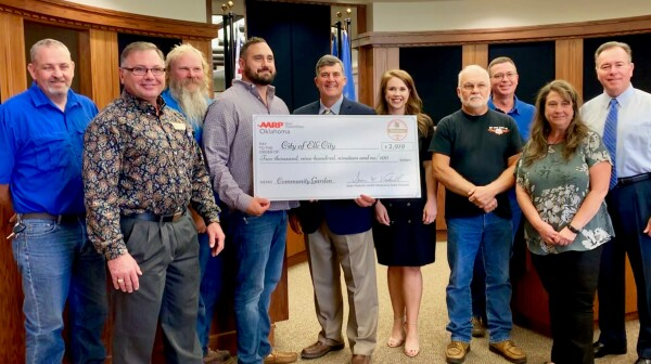 Elk City Group Photo Community Grant Challenge Check Presentation 2019.JPG