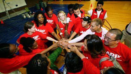 420-aarp-volunteers-aarp-foundation-day-of-service.imgcache.rev1334000352078