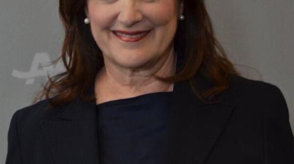 Beth Finkel headshot
