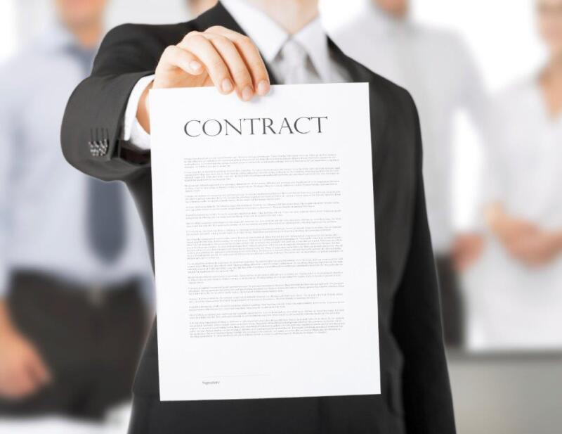 man-with-contract-000028367846_Medium