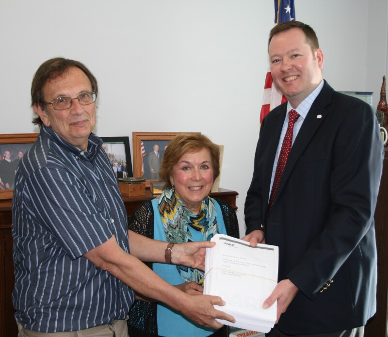 Closing the Loophole Petition Delivery Sen. Grassley Office