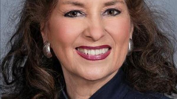 Donna White.jfif
