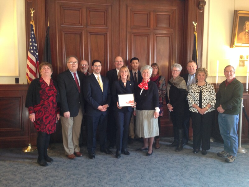 Governor and volunteers at Capitol Care Award #2