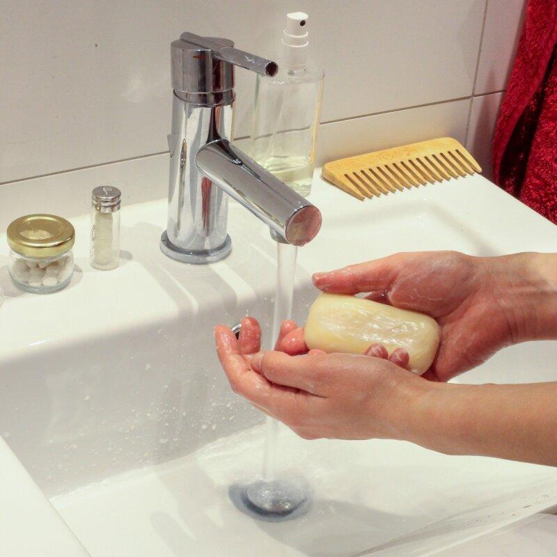 wash-hands-4941746_1920.jpg