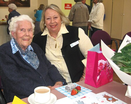 Volunteer for Senior Services of Alexandria's Friendly Visitor Program