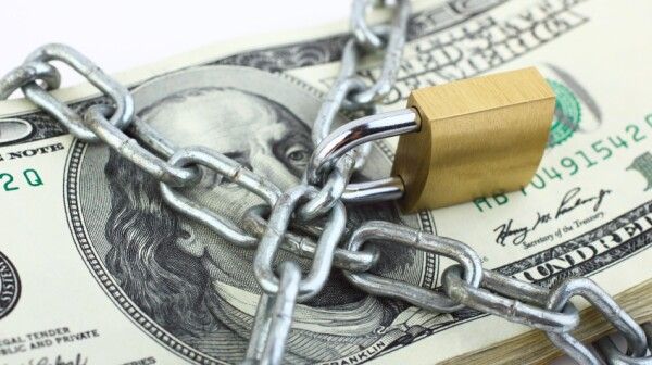 iStock_DollarsBigLock000020332965Small
