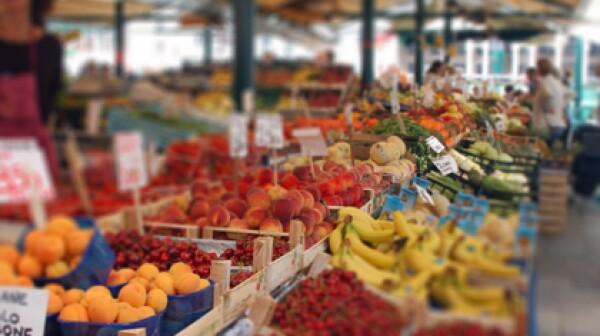 localaarp produce farmers market