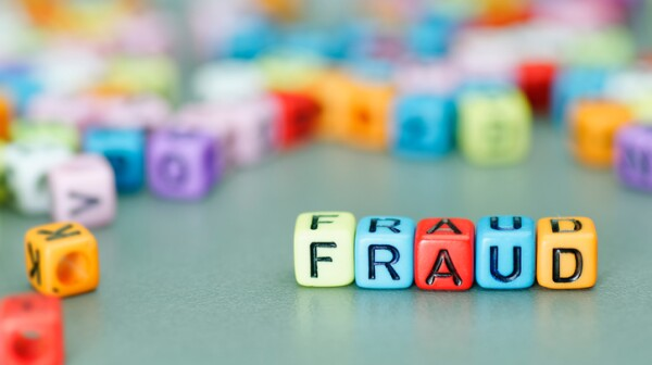 Fraud word on dices