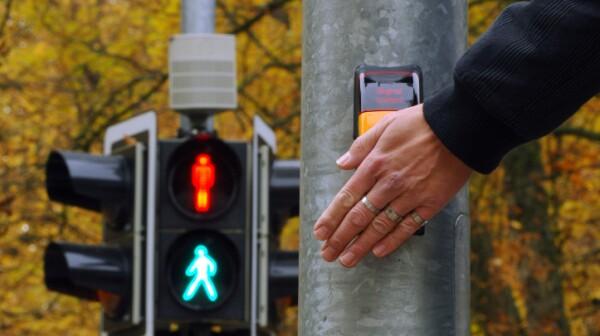 PedestrianCrossSignal_ELB