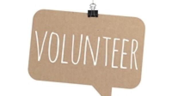 volunteer_iStock_000064355047_Small_mattjeacock