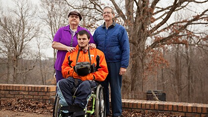 state-news-tn-collins-donate-wheel-chairs