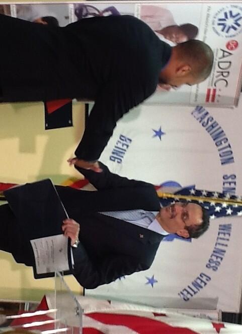 Mayor and Davis shake on AFG commitment IMG_0074