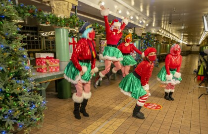 The 34th Annual Great Figgy Pudding Caroling Tradition to Continue Virtually