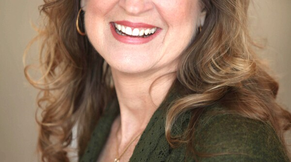 Lisa Oakley