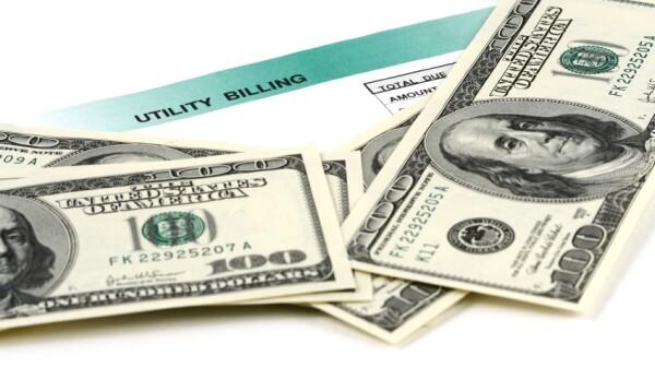 iStock_utility bill money savings arekmalang