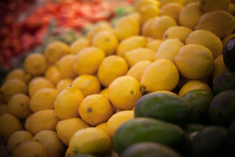 lemons in grocery