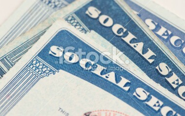 10.08.13 499,999stock-photo-23052900-social-security-cards