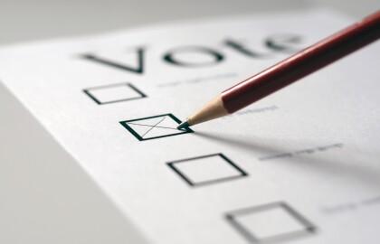 AARP NY insta al gobernador a tomar más medidas que garanticen la votación segura de los residentes del estado