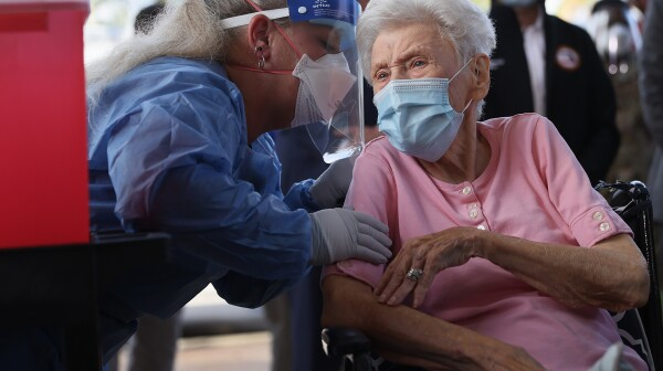 First Florida Nursing Home Workers Receive COVID-19 Vaccinations