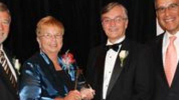 Lorraine Bratton Receives Andrus Award