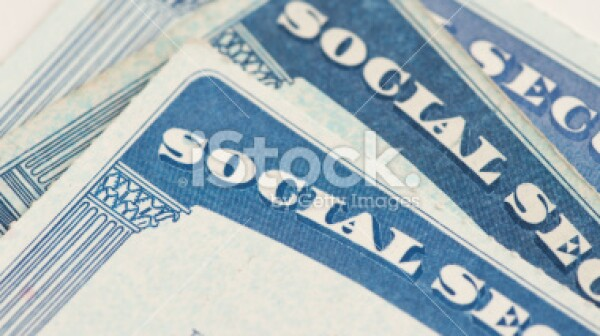 10.08.13 499,999stock-photo-23052900-social-security-cards