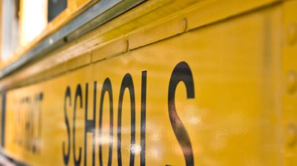 school-bus-kloop-499999.jpg