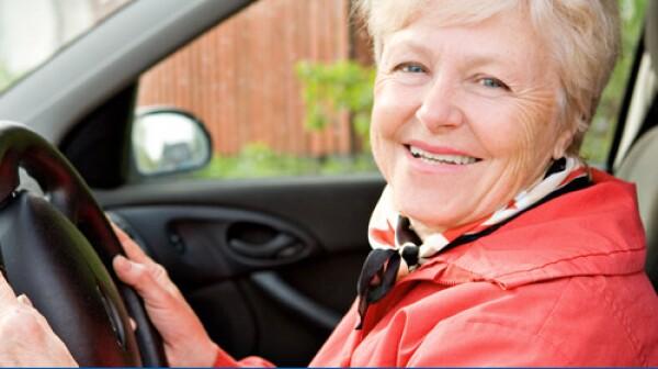 hero-lady-in-car
