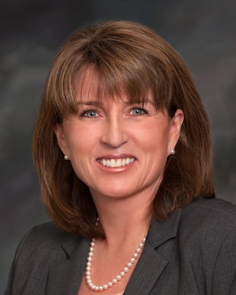 Monica Lindeen2